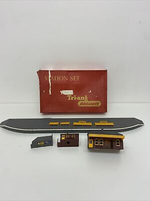 £24.99 • Buy Triang Railways R81 Station Set In Box S6