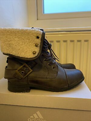 £8 • Buy New Look Lace Up Combat Ankle Boots Size 6