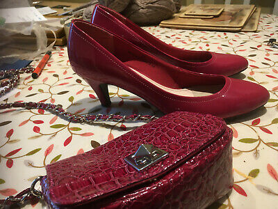 £10 • Buy Magenta Patent Size 5 1/2 Court Shoes & Matching Coloured Bag