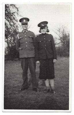 WW2 Soldier And Lady In Uniform RP Postcard, Unused • 4.95£
