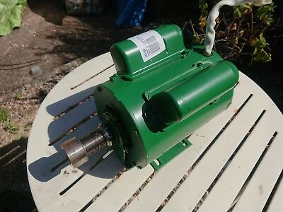 3 Phase 3/4hp Motor With Plug • 200£