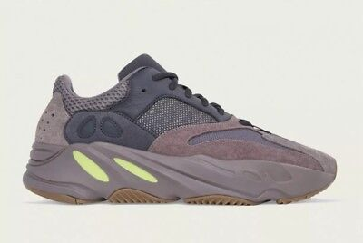 $ CDN521.36 • Buy Yeezy 700 Mauve DS Sz 8; Yeezy 350 V2 Human Race Yeezy 500 Off White