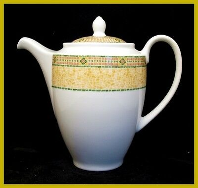 Wedgwood Florence 2 Pint Coffee Pot - In Excellent Condition • 39.99£