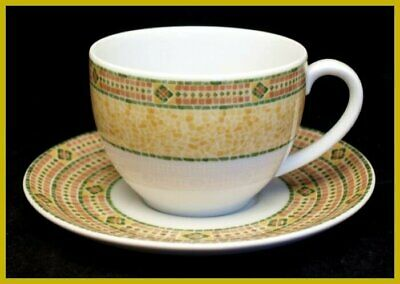 Wedgwood Florence Tea Cups & Saucers - In Excellent Condition • 12.99£