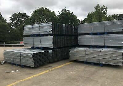 3m Long Galvanised Steel Fence Posts, Fencing Post, Gate Post, Fence Post, Gate • 7£