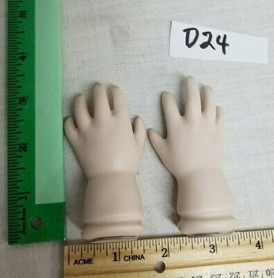 $ CDN13.53 • Buy Ceramic Porcelain Doll Parts 1 Pair Hands 3.25 In Long X 2 Inch WideD24