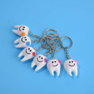 50PCS Dental Simulation Tooth Pendant Promotional Clinic Keychain Gifts • 16.79£