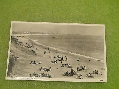 1960 Fr Real Photo Postcard - The Sands Scene - Hopton-on-sea Nr Great Yarmouth • 1.45£