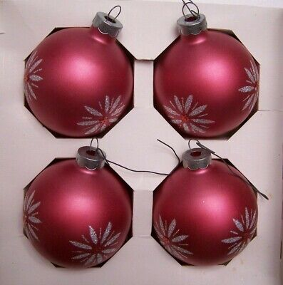 $ CDN9.99 • Buy 4 VINTAGE DOUBL GLO GLASS CHRISTMAS TREE ORNAMENTS BALLS IN BOX Pink Stenciled