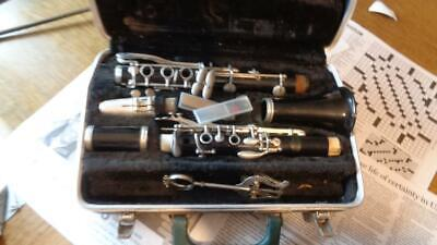 Bundy Clarinet With  Mouthpieces Geo Bundy 3 In Green Hard Case Used • 39.99$