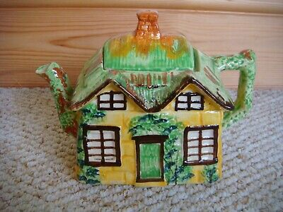 Pretty Yellow Vintage 1950's  Ye Olde Cottage  Made In England Teapot  • 12£