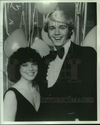 $19.99 • Buy 1979 Press Photo Erin Moran And John Schneider Host  New Year's Rockin' Eve '80