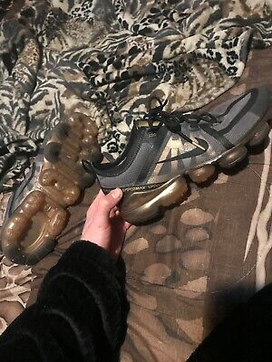 Men's Nike Vapormax 2019 Black Metallic Gold Sz. 11 • 45$