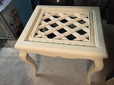 Side Table Annie Sloan Cream Chaulk Paint • 40£