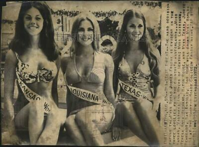 $12.88 • Buy 1972 Press Photo Jackie Behrendt And Entrants In Miss World-USA Contest, Hampton
