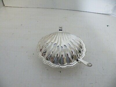 Vintage Silver Plated Shell Shaped Butter Dish Glass Liner & Spreader  • 10£