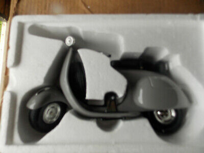 $99 • Buy Large 1/6 Scale Vespa Scooter In Gray Limited Edition By Xonex