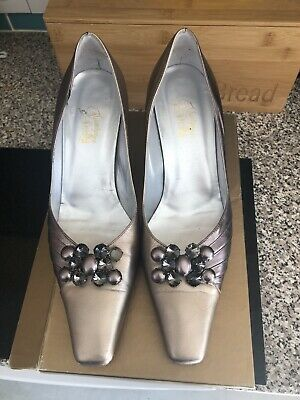 Ladies Pewter & Gold Size 7 Shoes • 10£