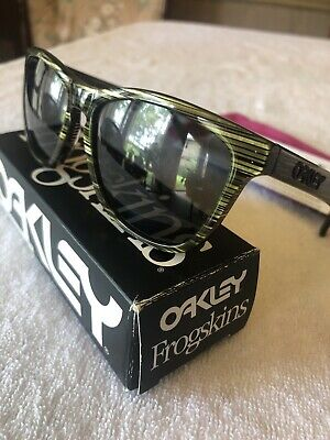 $59.99 • Buy New Oakley Frogskins LX POLARIZED Sunglasses Banded Green/Grey Authentic Retro