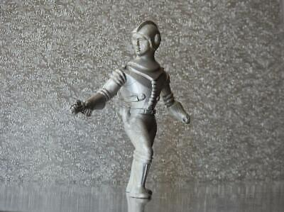 ARCHER TOY CO U.S.A VINTAGE 50s PLASTIC SPACE PEOPLE 3 3/4  SPACEMAN WITH RAYGUN • 24.99£