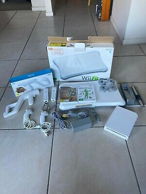 AU100 • Buy Nintendo Wii White Console + Games And Accessories With Box And Manuals!