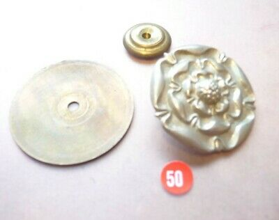 BRITISH VICTORIAN - WW1  ROSE FITTING FOR MILITARY HELMET (ref 50)   • 5.99£