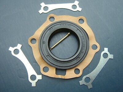 Rover P4/P5/P5B, Land Rover Series 1/2/3  '50 On Diff. Pinion Oil Seal Kit • 12£