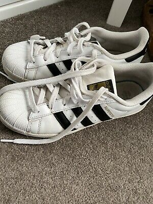 AU30 • Buy Adidas Superstar Shoes WOMENS AND MENS Womens Size 8 Australian