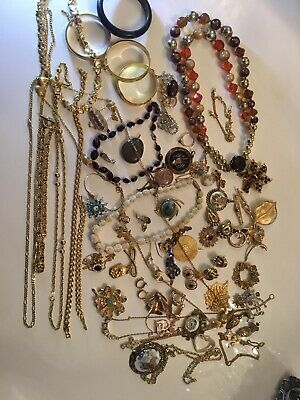 Huge Joblot Vintage Jewellery Brooches Bangles Necklaces Earrings Wearable • 11.50£