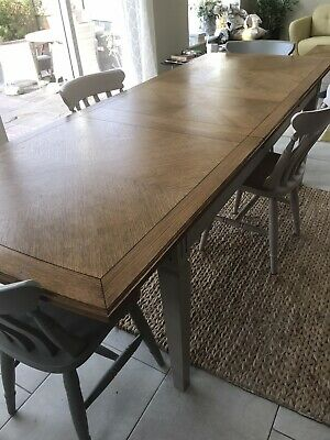 John Lewis Amelia Extendable Table Seats 8/10 • 180£