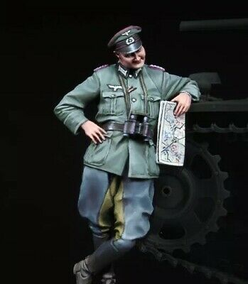 1/35 Scale Resin Figure Kit WW2 German Soldiers, German Officer With Map GK GS2 • 7.50£