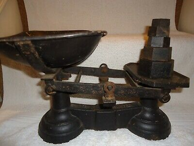 Vintage- Cast Iron Kitchen Scales With Pan & Metric Weights • 25£