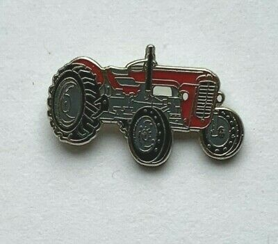 Massey Ferguson 35 Pin Badge.  • 4£