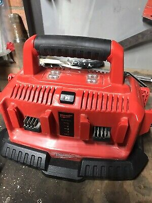Milwaukee 6 Battery Charger • 72£