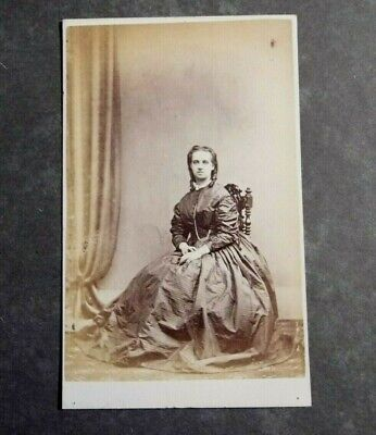 LONDON, CAMBERWELL Rd, SEATED WOMAN. CARTE De VISITE By C HOOD, C1860s. • 3.50£