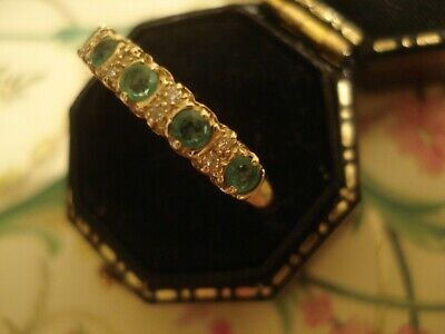 Very Pretty 9CT Gold: 5 Glittering Emerald Gemstones & 8 Sparkling Diamonds Ring • 168£