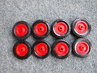 A New Set Of 8 X  Red Plastic Toy Wheel & Black Tyre  • 4.99£