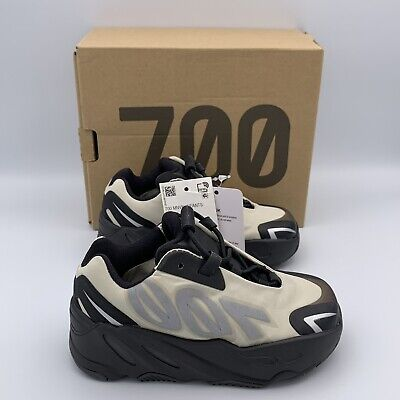 $ CDN208.37 • Buy Adidas Yeezy Boost 700 MNVN Bone Infant Size US 7k (FY3731)
