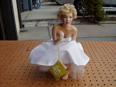 FRANKLIN MINT HEIRLOOM MARILYN MONROE PORCELAIN DOLL With SEAT BENCH BEAUTIFUL • 274.29£