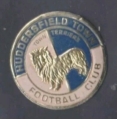 HUDDERSFIELD TOWN UNUSED 1970's ESSO FOOTBALL FOIL CLUB BADGE FREE DELIVERY • 19.99£