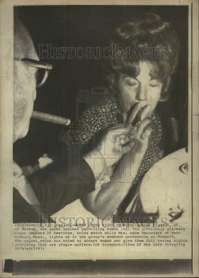 $ CDN24.25 • Buy 1971 Press Photo Barney Riseman Mrs Anne Weinstein - RRU70871