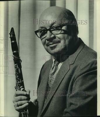 $ CDN24.25 • Buy 1973 Press Photo Barney Bigard, New Orleans Clarinet Star - Sap10167