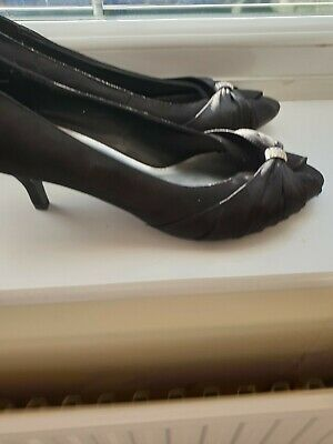 Womens Shoes - Black 2 1/2 Inch Heels Size 8 Worn Once In Excellent Condition • 4.75£