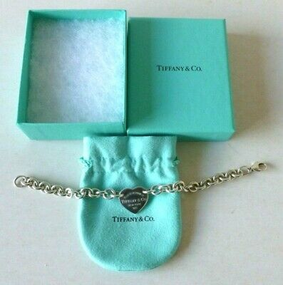 Return To TIFFANY & Co New York Sterling Silver Bracelet With Central Heart Tag  • 89.99£