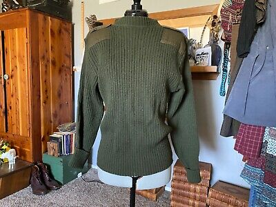 $30 • Buy Authentic Vintage Military Apparel Army Green DSCPValor Collection Wool Sweater
