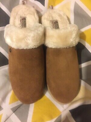 Ladies Skechers Suede Slipper New Size 6  • 30£