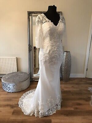 AU251.02 • Buy Bridal Gown/Wedding Dress,V-neck, Long Sleeve, Low Back, Lace,Size 14, Brand New