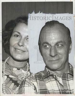 $ CDN24.25 • Buy 1968 Press Photo Entertainer Jay Barney With Wife - RSG61195