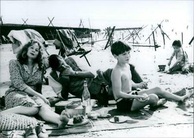 AU33.95 • Buy Sarah Miles, Sebastian Rice-Edwards, Derrick O'Conn - Vintage Photograph 3712316