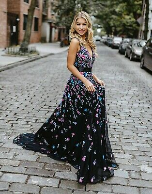 $494.10 • Buy NEW MAC DUGGAL 4983M Black 3D Sequin Floral Applique V-Neck Sleeveless Gown 6 US